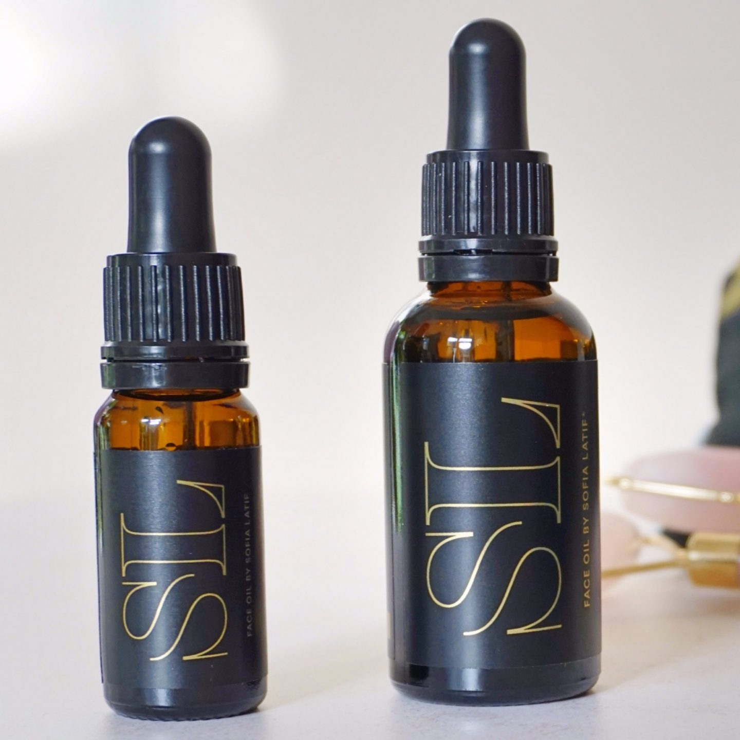 Face oil by Sofia Latif