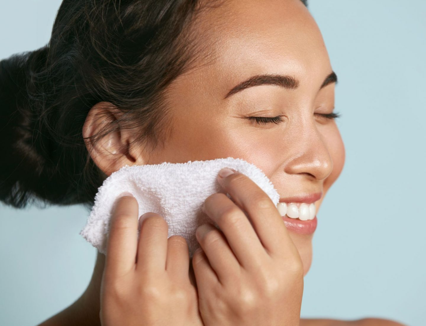 face cleanse with cloth